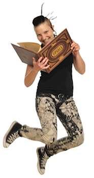hoppande flicka med bok.