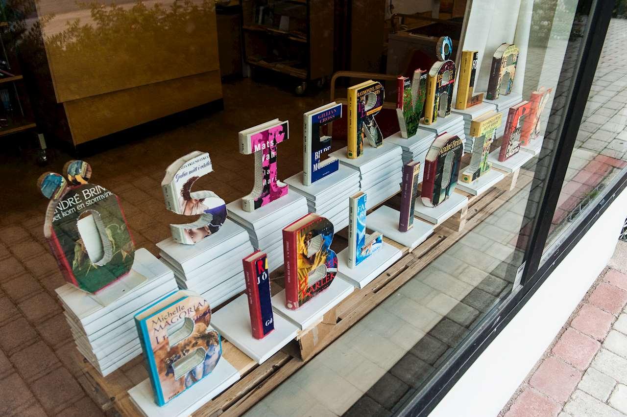Orden Östervåla bibliotek utsågade ur böcker
